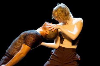 Spectacle de danse : \Manibus\ Carhaix-Plouguer