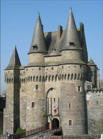 Visite-guidée : \Le Chateau de Vitré entre forteresse et résidence\ Vitré