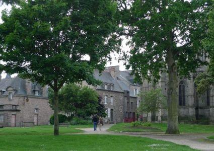 Visitez Jardins Anglais Et Jardin Des Petits Diables Dinan Cotes D