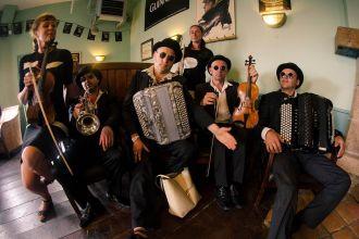 Concert en déambulation Neketel\s Family - Quiberon QUIBERON