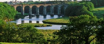 La vallée de Tréauray et la rivière du Loc\h