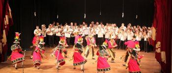 Sagarnaga et ses 50 musiciens et danseurs Saint-Aubin-des-Châteaux