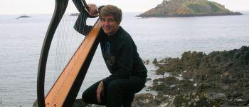Yvon Le Quellec, harpe et chant Châteaulin