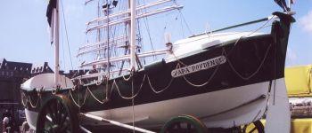 Visite du Papa Poydenot ancien canot de sauvetage à rames Penmarch