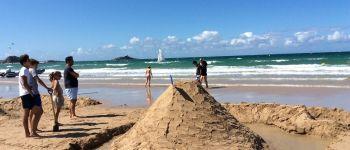 Fort contre la mer : concours de châteaux de sable Fréhel