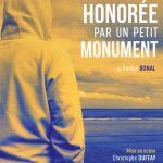 Théâtre du Totem : Honorée par un petit monument Binic-Étables-sur-Mer