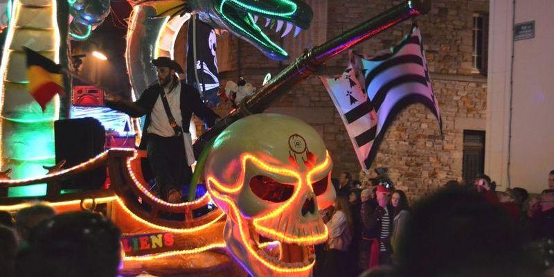 Carnaval des Gais Lurons, le défilé de nuit