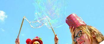 Les arts de rue s\invitent à Paimpol : Miss Bull\ing Paimpol