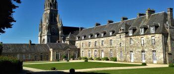 Visites guidées du château et de son expo \les arts de la table\ Quintin