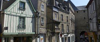 Vannes, architecture de bois, architecture de pierre Vannes