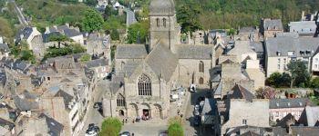 Visite guidée de la place Saint-Sauveur et exposition Dinan