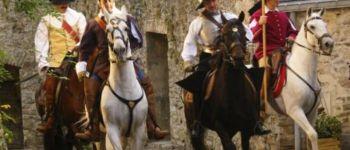 Reconstitution historique à cheval et en costume Guimiliau