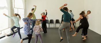 Pratiquer et présenter la danse hors des théâtres Bignan
