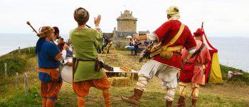 Dansons au château de La Roche Goyon / Fort La Latte Plévenon